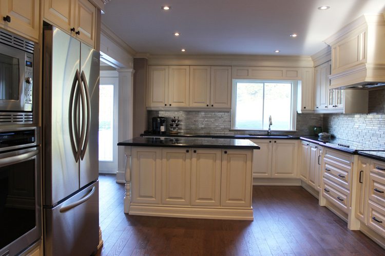 Toronto thornhill custom classic kitchen design for Almond colored kitchen cabinets