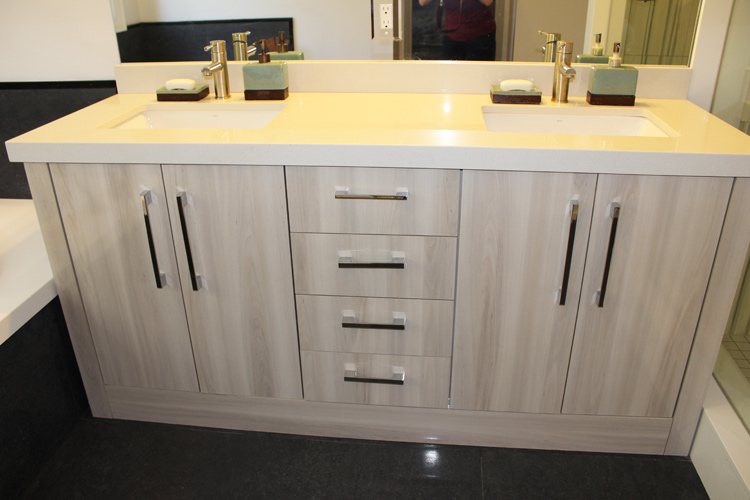 Modern High Gloss Double Sink Vanity With Off White Quartz