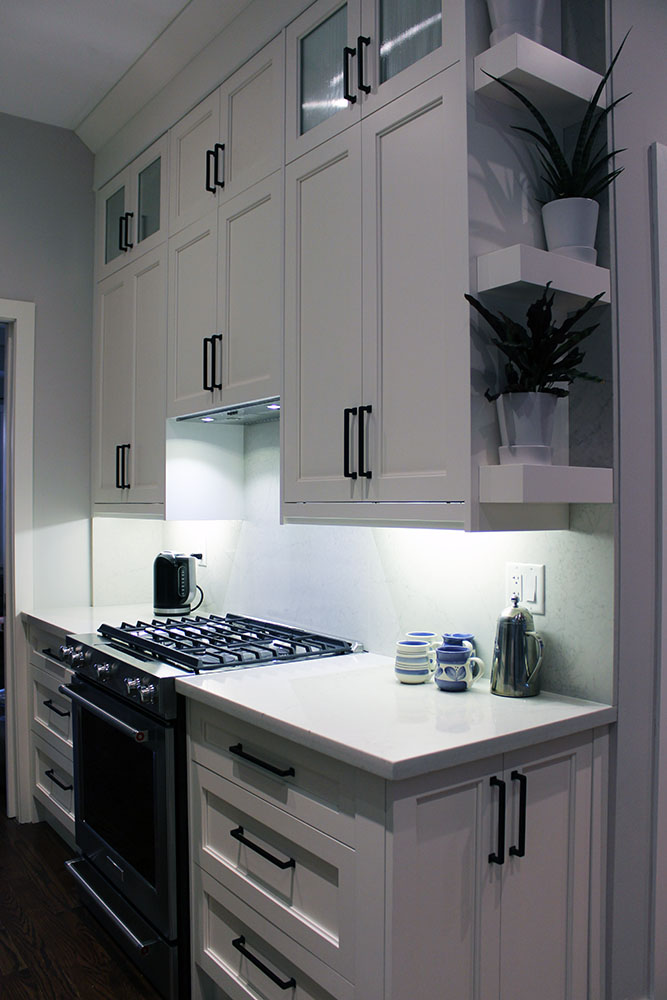 Modern Painted White Kitchen 9 Feet, How To Install Stacked Kitchen Cabinets